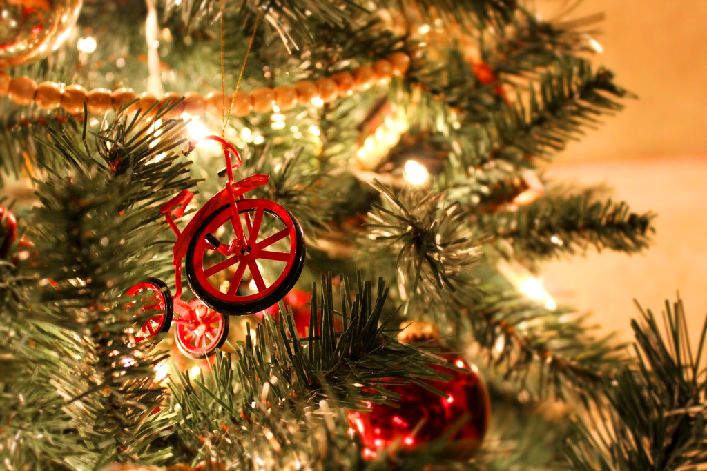 christmas_bike_by_seeds_of_thought-d5mhkw6.jpg
